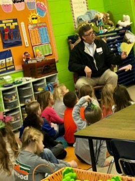 David Quinney from the Alabama Power Service Organization participated in Read Across America at Glenwood Elementary School. (contributed)