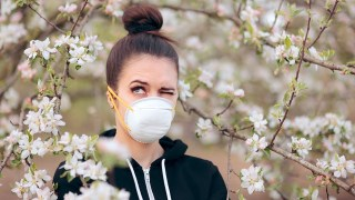 Alabama doctor says distinguish between allergies and COVID-19 symptoms