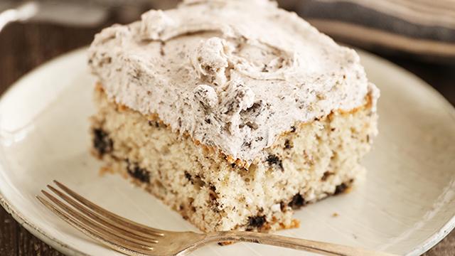 Recipe: Cookies and Cream Sheet Cake