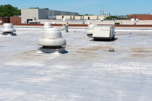 Multiple HVAC units and programmable thermostats should not all be set to change temperatures at the same time. (Getty Images)
