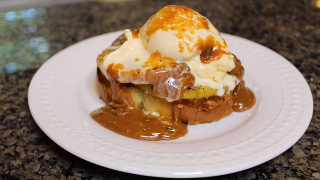 The Grilling King: Sweet Grilled Pineapple Cake