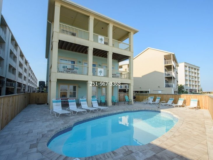 Pair O Dice Beach House on the white sandy beaches of Gulf wPrivate Pool
