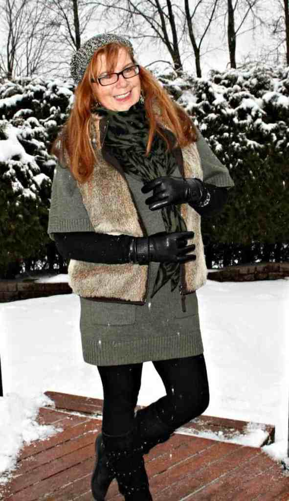 tunic and fur vest, leather gloves danier