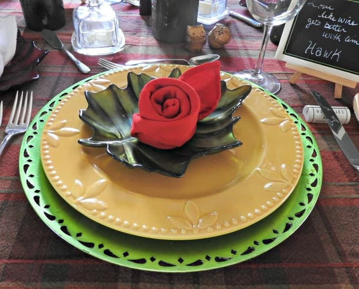 Fall tablescapes with a wine theme and rose napkins