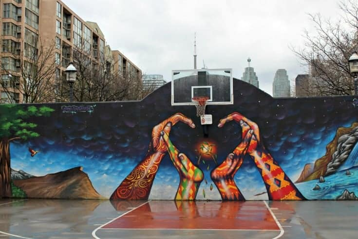 wall mural in Toronto near the CN tower