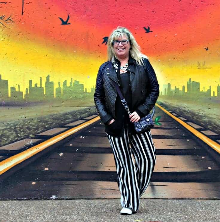 wall mural in Toronto where I can walk the tracks casually