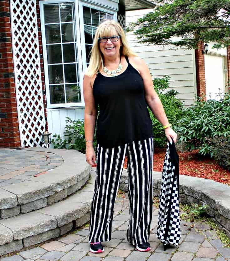 Checkes and Stripes in a flowy outfit with Neon Nike sneakers and a fun yosa necklace 10