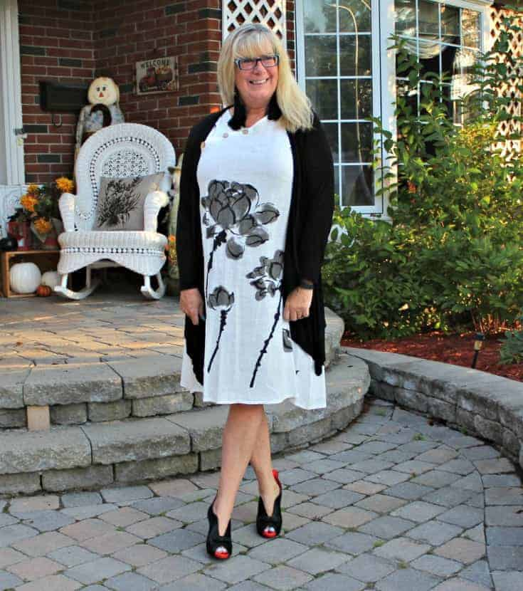 white linen dress in the fall plus custom made shoes from Ruby Blues Winery 6