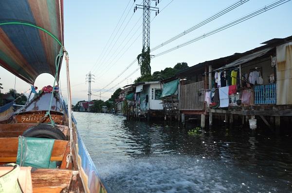 Art. 3 – Bangkok : Balade sur les khlong en long-tail boat
