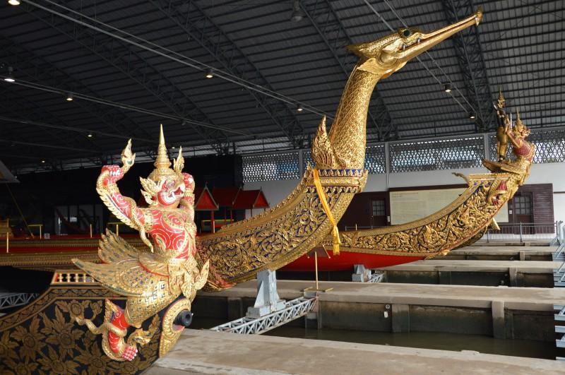 Art. 10 – Bangkok : Les barges royales