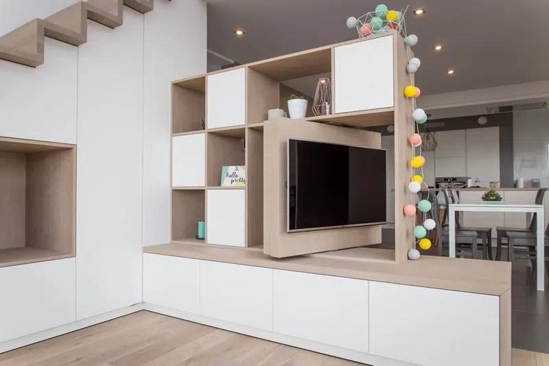 escalier avec rangements et meuble tv sur mesure alain rosen