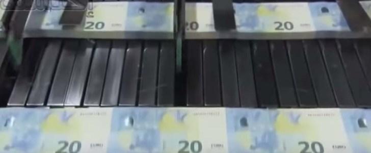 بالفيديو مراحل طباعة الأوراق المالية