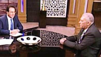 Photo of الصحفي مجدي دربالة في حوار مع رئيس مصلحة الجمارك (فيديو)