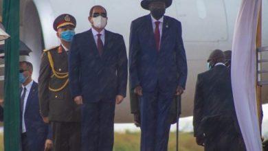 "Photo of سلفا كير يستقبل ""السيسي"" في مطار جوبا الدولي"