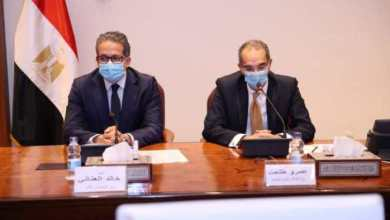 Photo of وزير الاتصالات يوقع بروتوكول لتطوير البنية التكنولوجية لوزارة السياحة والآثار