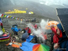 Everest 2014: Everest Nepal Functionally Closed: The Big Picture - Update 4