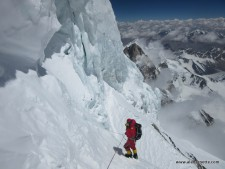 Garrett Madison crossing the Traverse on K2