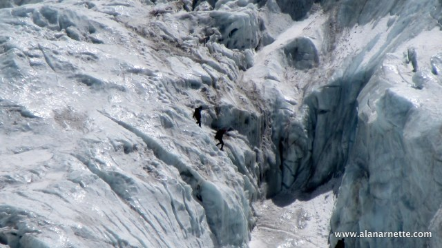 Climbers in Khumbu Icefall in 2016