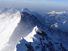 Everest 2019: Summit Wave Recap 7 - Quiet Summits, Another Death