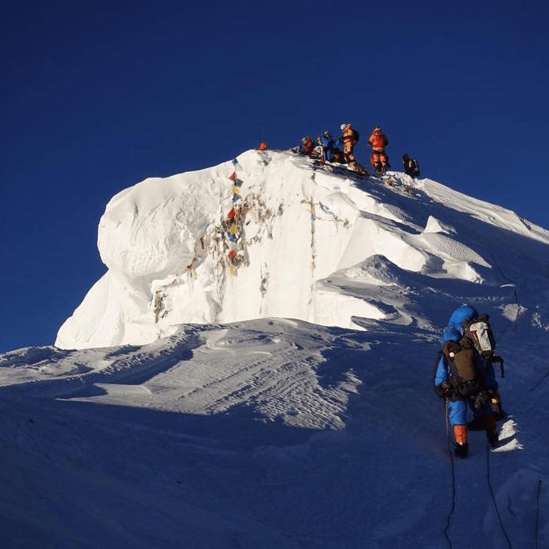 Everest 2019: Summit Wave 5 Underway – Update 5 | The Blog on