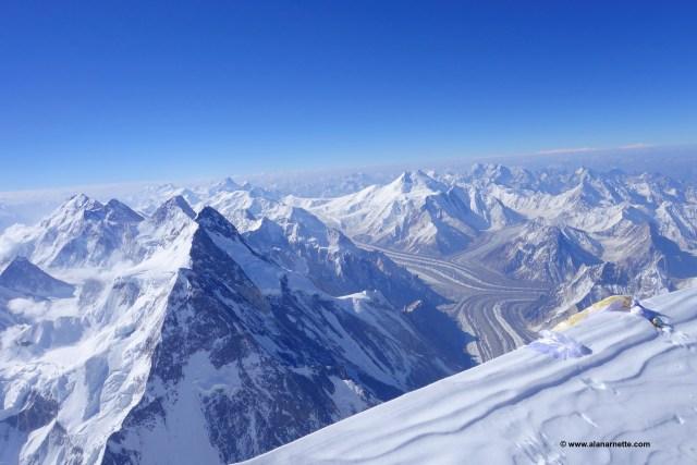 K2 Summit View into Pakistan. © www.alanarnette.com