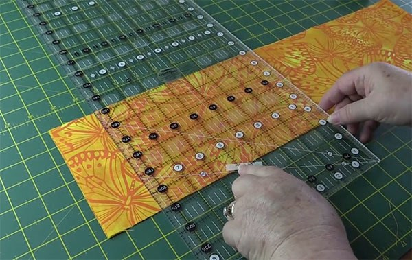 How To Cut A 60 Degree Angle On Fabric