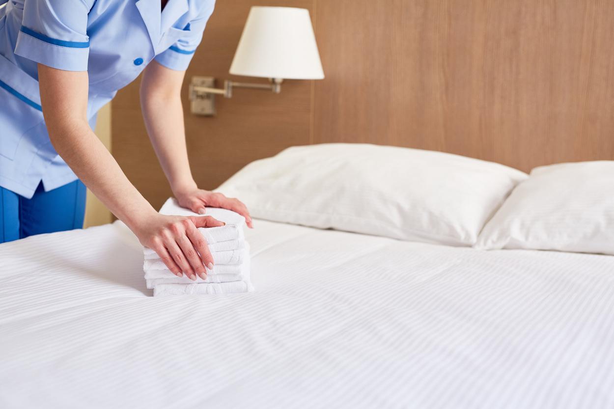 hotell städning bäddning