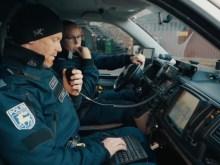 Poliser i bil