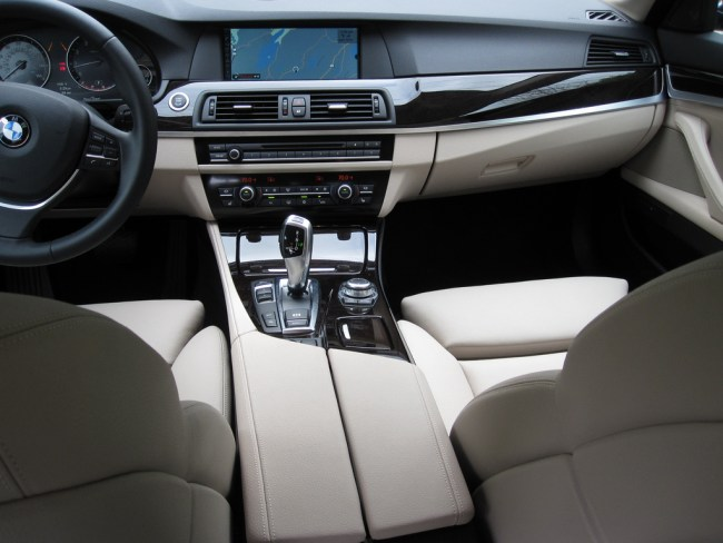 bmw-f10-535i-interior