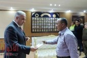 مدير أمن الفيوم يكرم أمين شرطة لأمانته