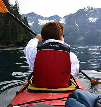 custom tour of alaska kayaking