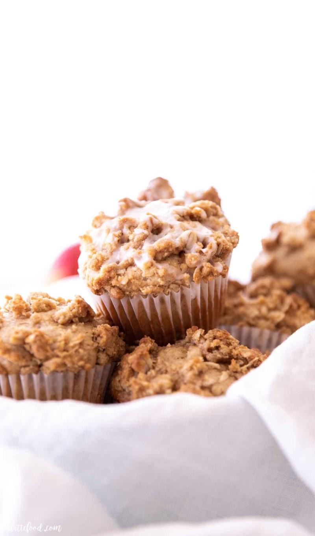 baked cinnamon apple muffins