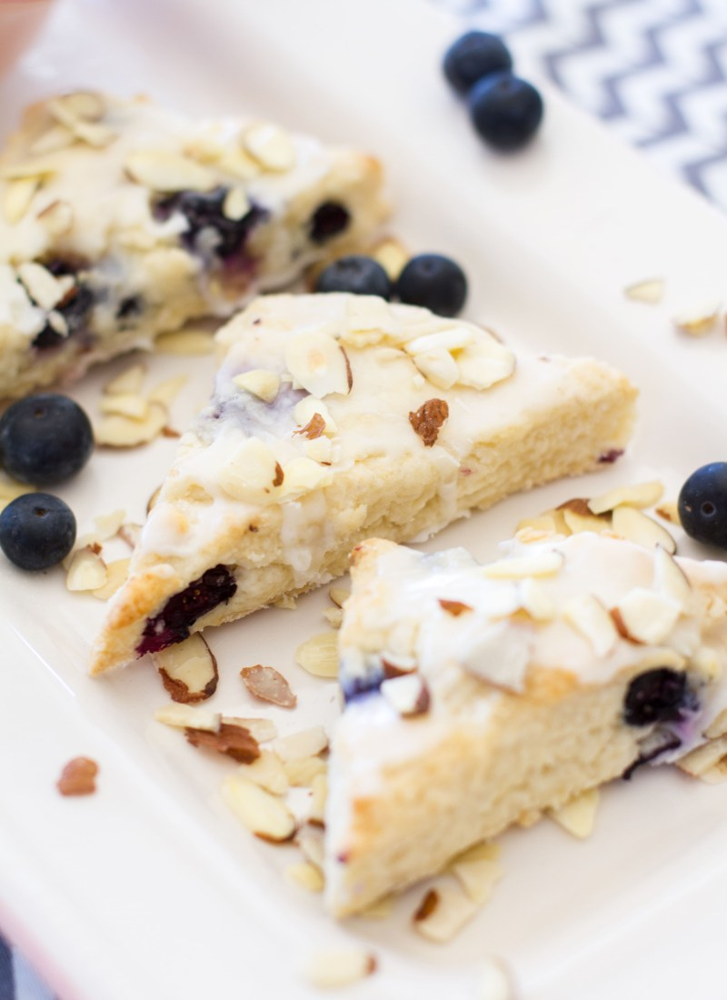 {Mini} Almond Blueberry Scones