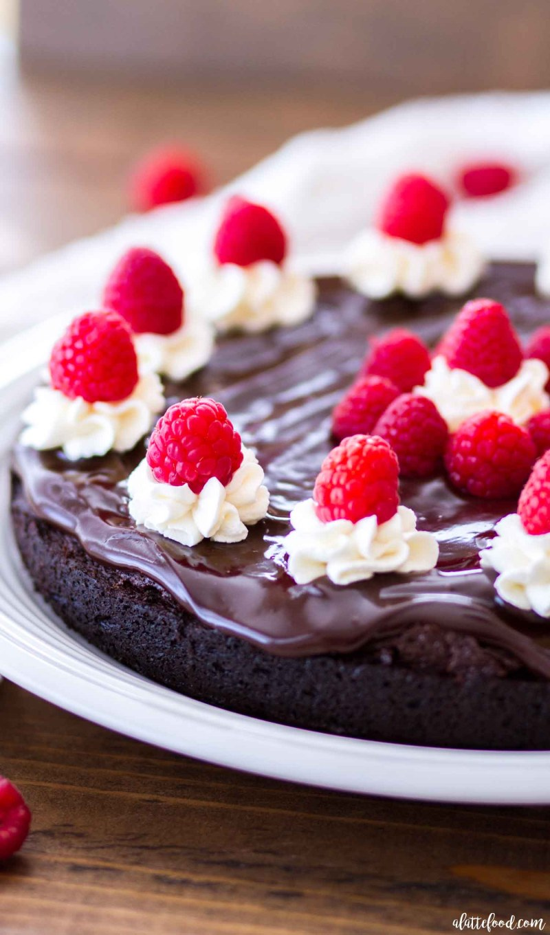 mocha flourless cake with raspberries