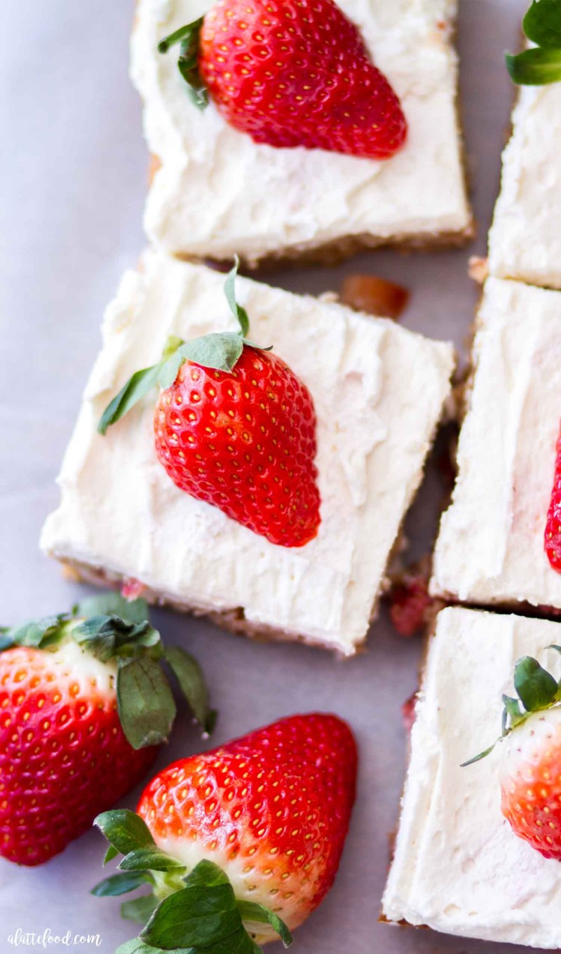 blondie dessert bars with fresh strawberries