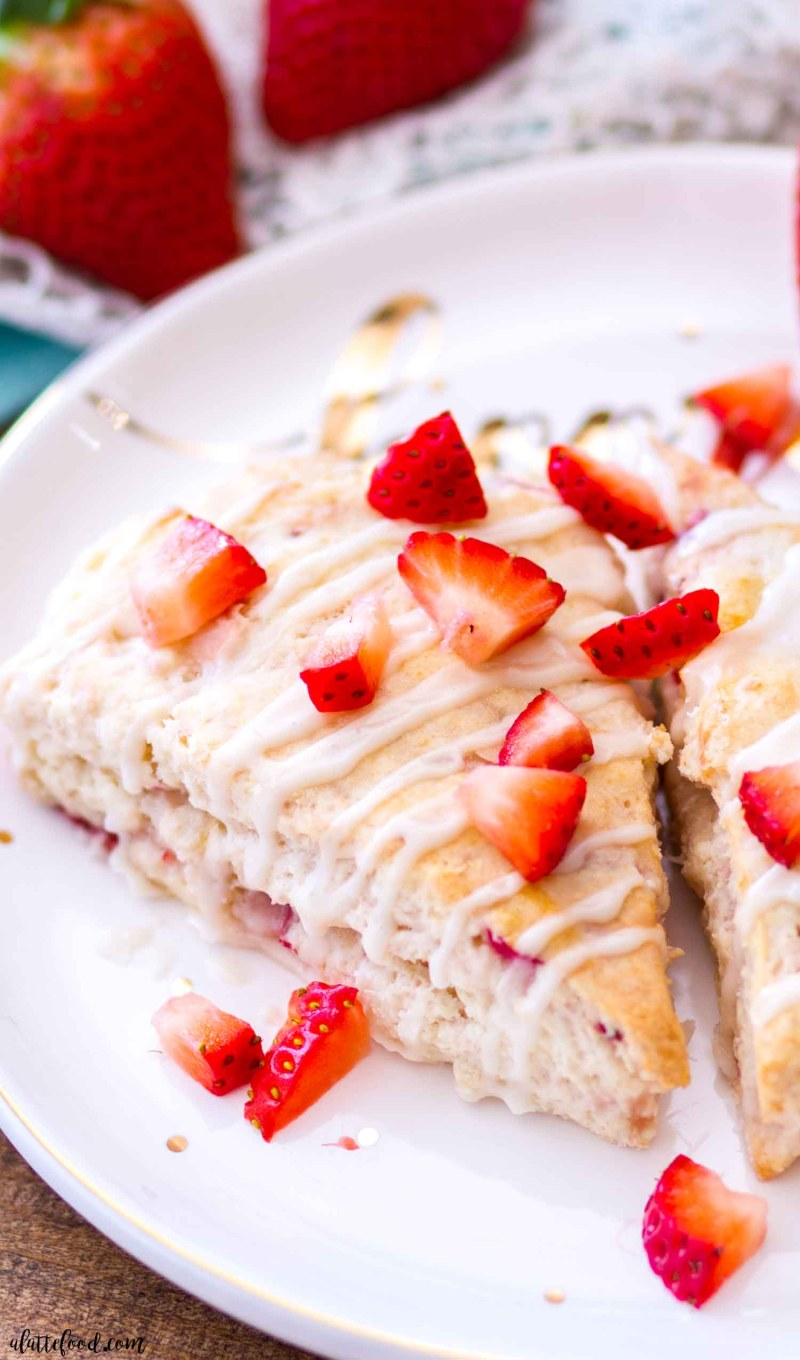 STRAWBERRY CREAM CHEESE SCONES A LATTE FOOD