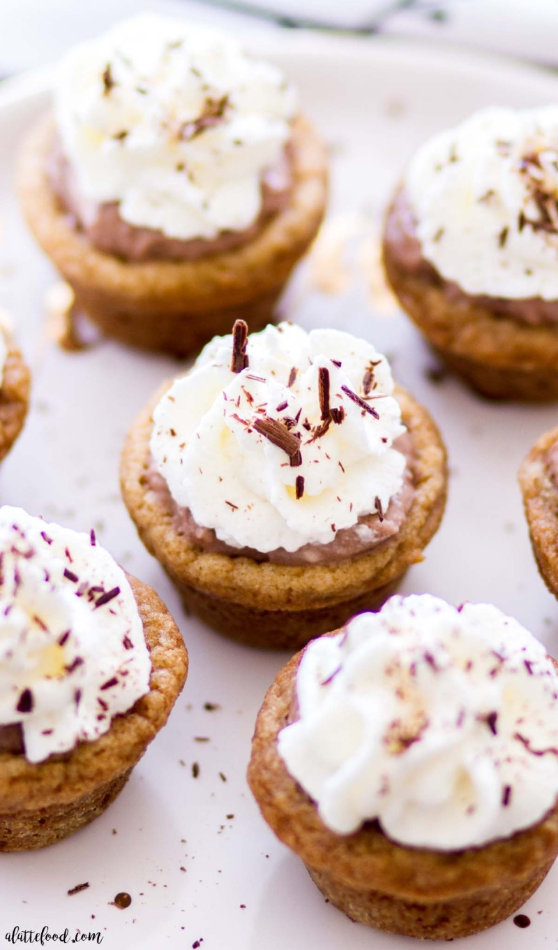 mini cookie cups recipe filled with chocolate filling and chocolate shavings