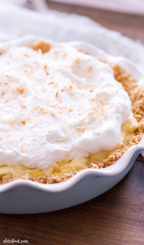 graham cracker crusted banana coconut cream pie