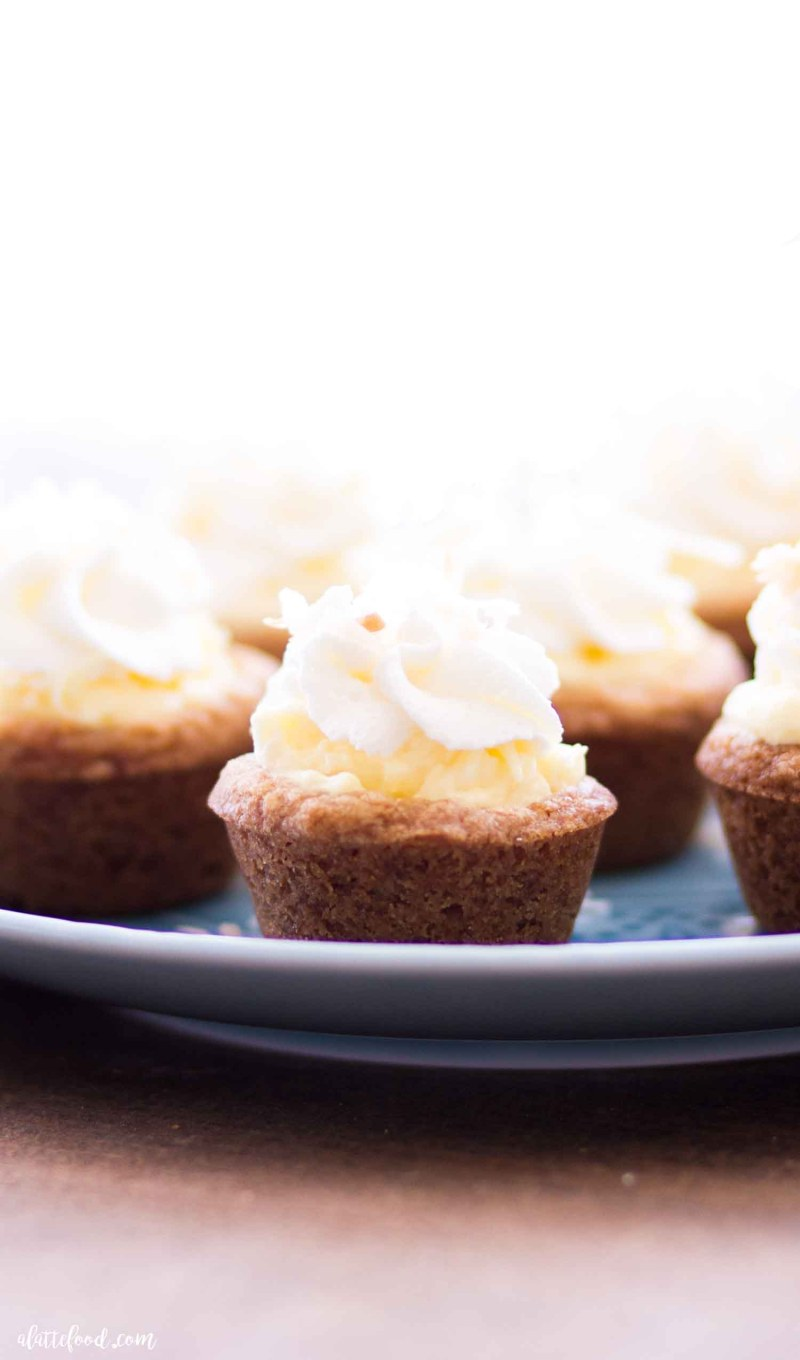baked coconut cream pie cookie cup up close