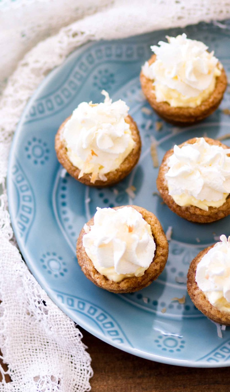 graham cracker cookie cups with coconut pudding (overhead shot)