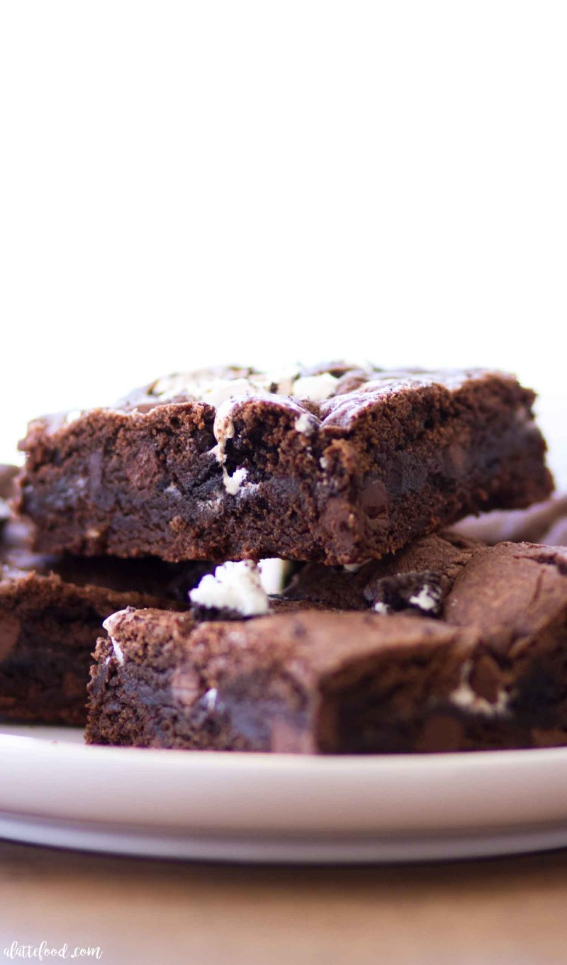 side view of chocolate oreo marshmallow cookie bars