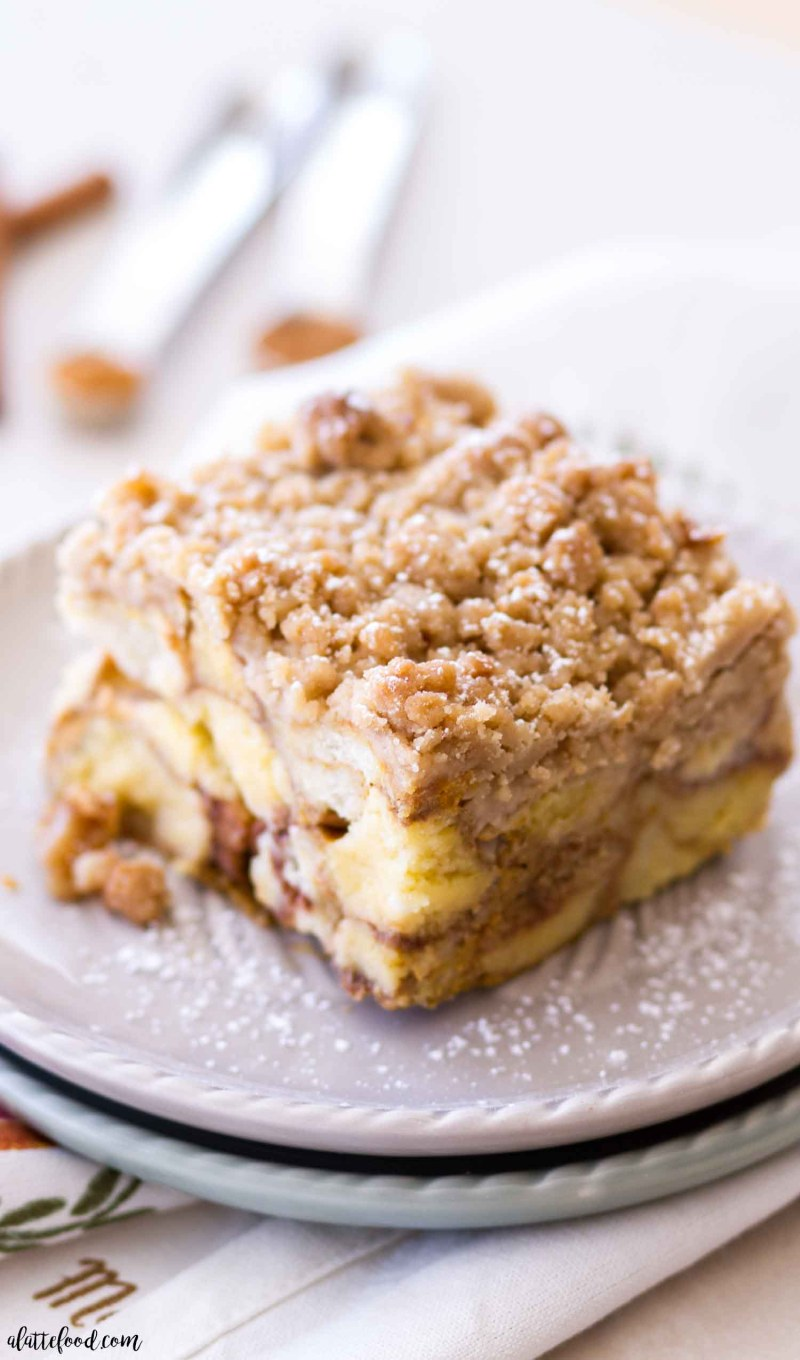 This Pumpkin Donut French Toast Casserole is such an easy breakfast recipe! The easy french toast casserole recipe gets a fun fall twist with the addition of baked donut holes and pumpkin. The whole easy breakfast casserole is topped with a brown sugar crumb topping. Breakfast of champs, guys. Plus, an easy how to video for Pumpkin Donut French Toast Casserole! baked french toast casserole, pumpkin, french toast casserole easy, pumpkin donuts, donut breakfast casserole
