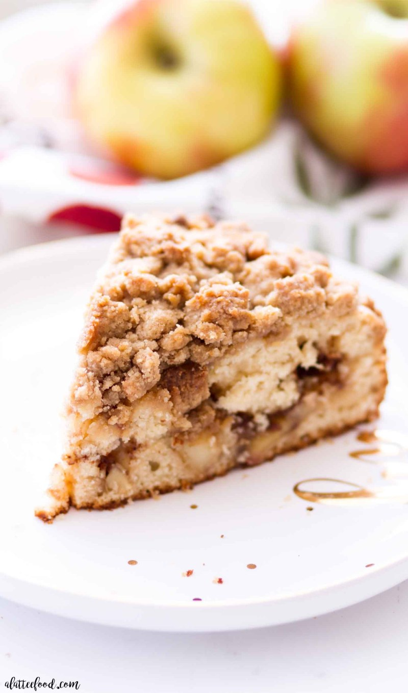 apple pie filled crumb cake