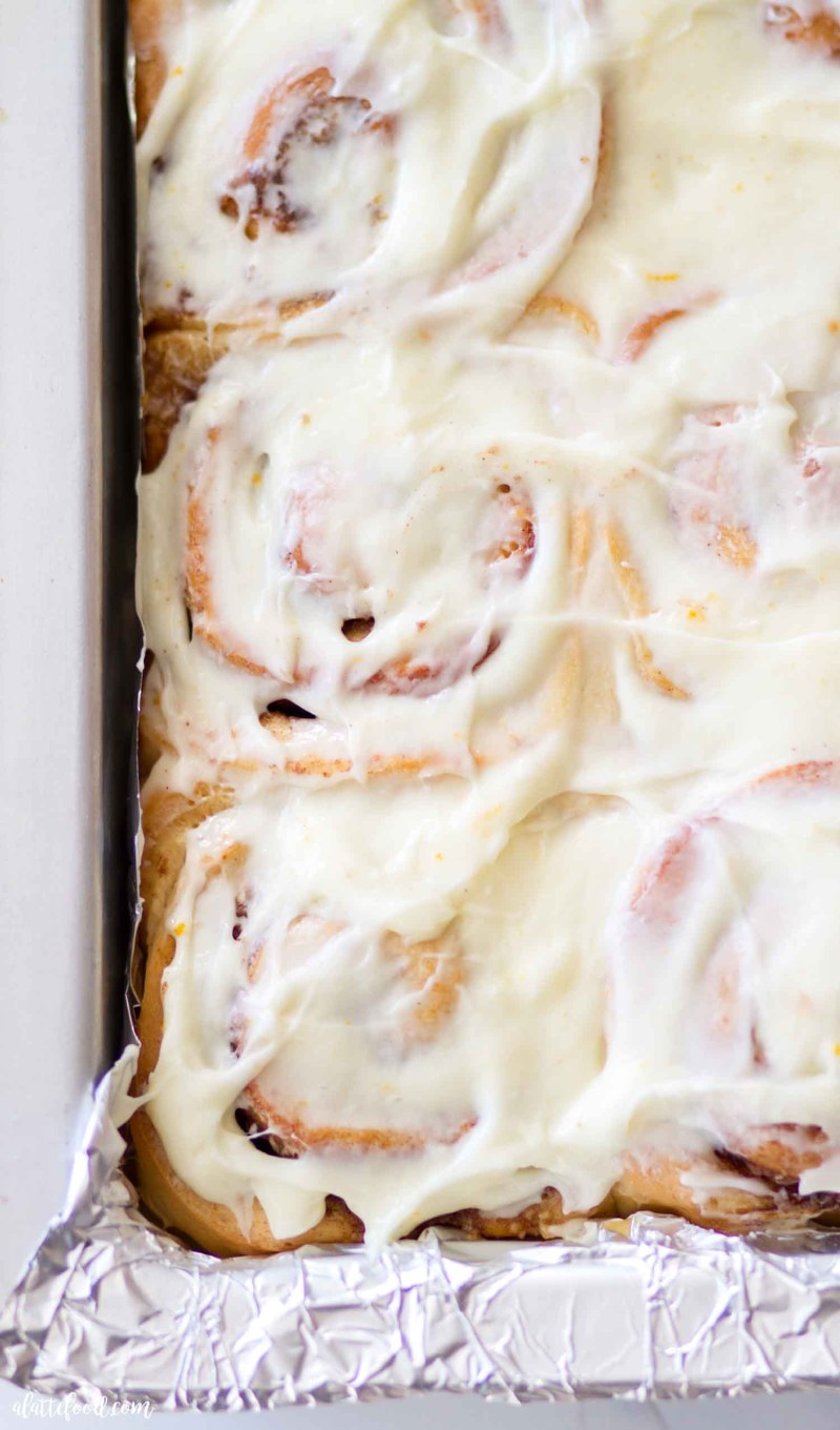 baked cinnamon rolls with cream cheese icing