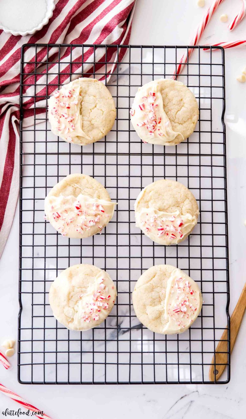 peppermint white chocolate cookies on a cooling rack