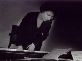 Gulden_Teztel_piano1