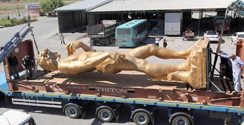 10 metrelik Davut heykeli New York yolunda