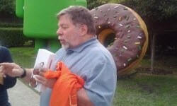 Apple'ın kurucularından Steve Wozniak'a Google hediyesi