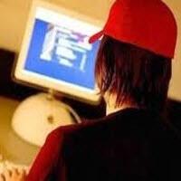 Türkler internete Güvenmiyor