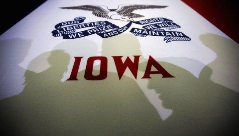 Iowa Önseçiminden Sonra: Romney, Santorum ve Paul